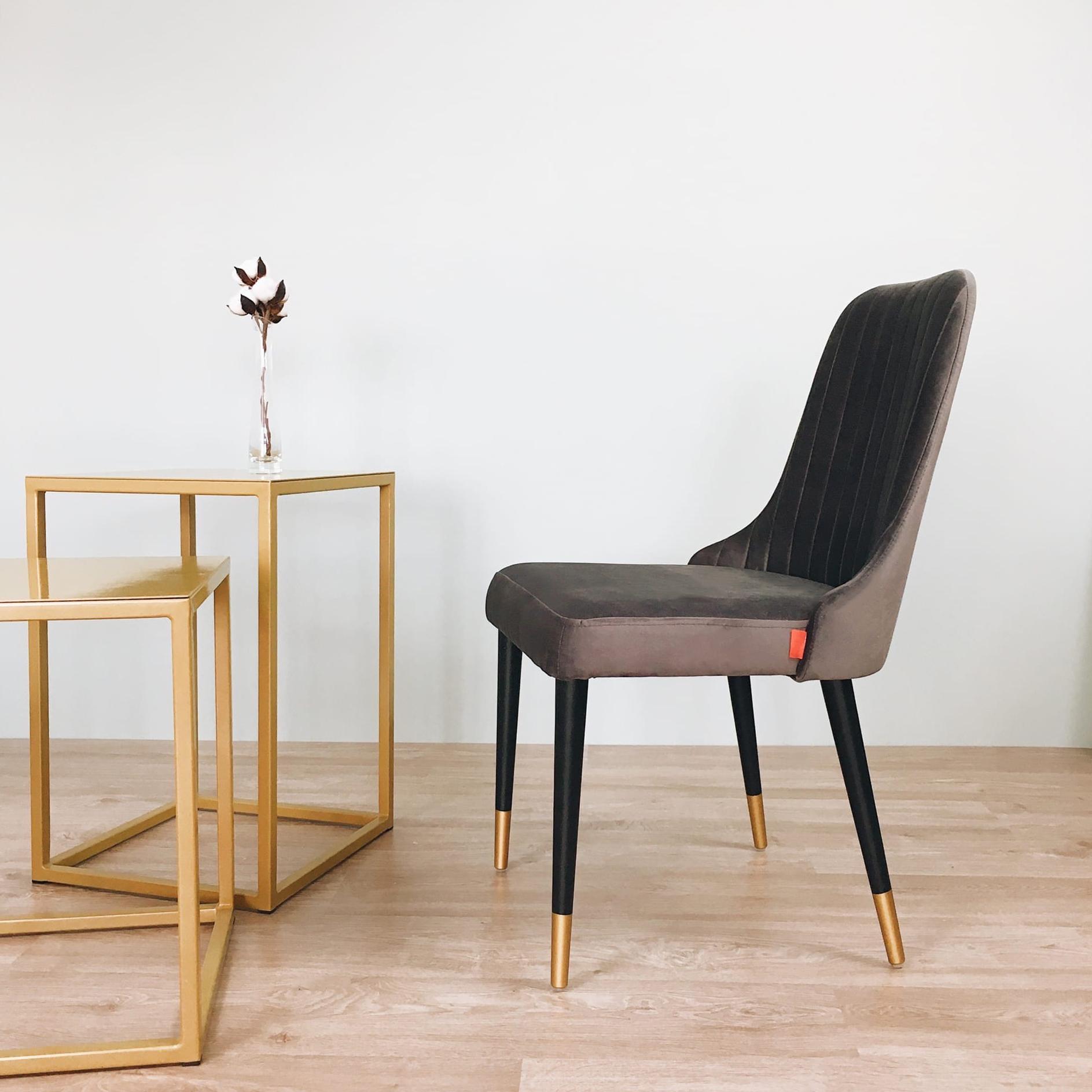 Стул Kongsberg, велюр Bella 12, ножки чёрные с золотом