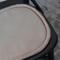 Подушка на стул овальная бежевая